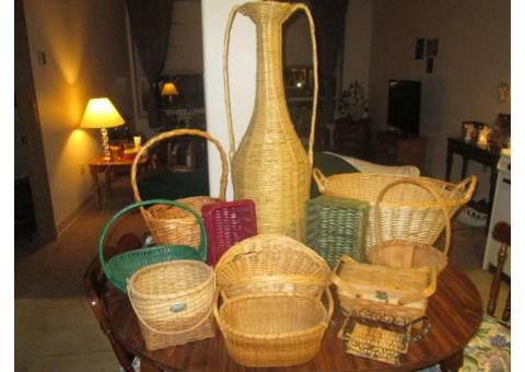 Variety Lot of 12 Wicker Baskets, etc.