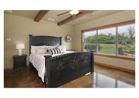 Rustic King Size bedroom suite with Casper Mattress